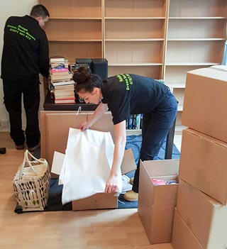 The Movers, student removals - packing bookcases
